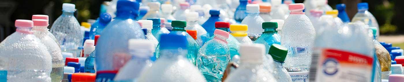 Los envases de plástico PET son muy perjudiciales para el medio ambiente